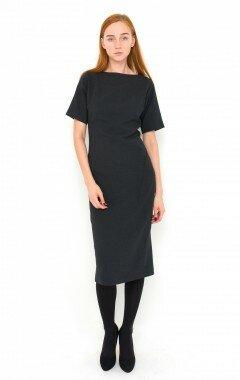 Платье из шерсти с широким коротким рукавом