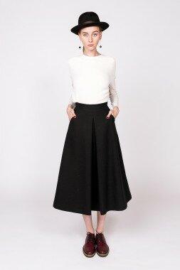 Черная юбка трапеция